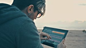 Create Complex Delay Effects with Tekturon by D16