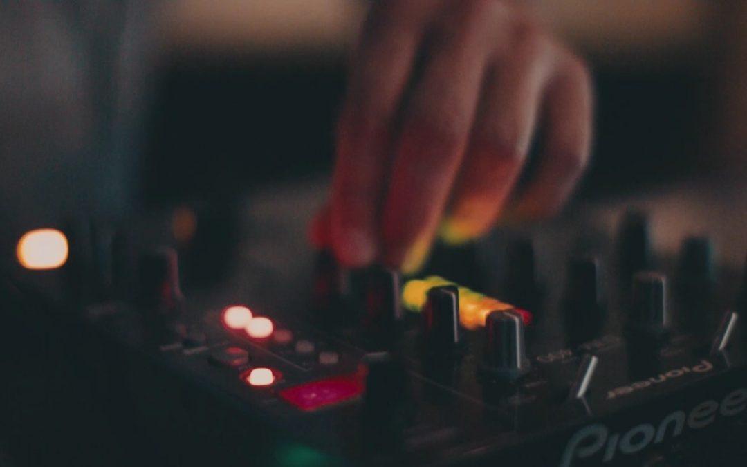 Design Your Own Super Saw Sound